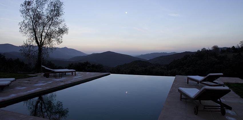 Vistas a la montaña del hotel Ruralka Masía El Puig, en Girona